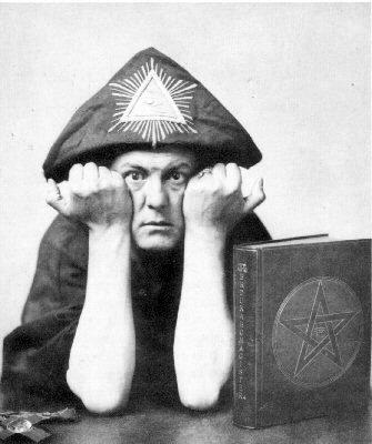 Jimmy Page desentierra al diablo con Lucifer Rising Aleister-crowley1